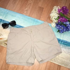 Columbia PFG Women's Beige hiking fishing shorts